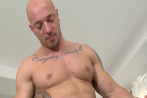 Muscle Bear Flip Flop And anal cream flow